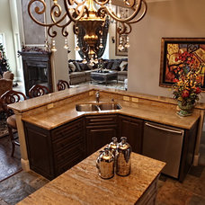Traditional Kitchen by Decorating Den Interiors Kim Herning