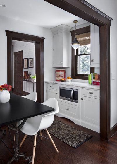Transitional Kitchen by Extraordinary Works - Luxury by EW Kitchens
