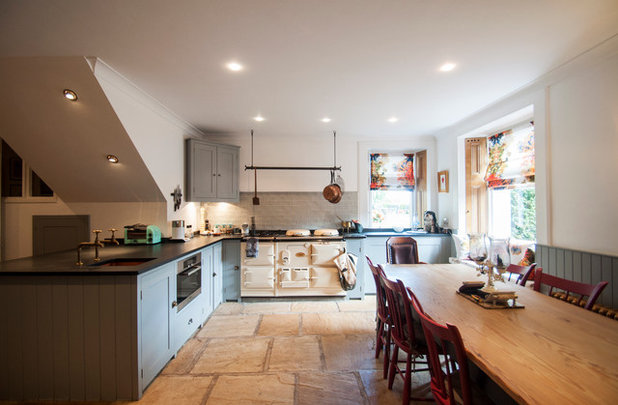 Traditional Kitchen by Amelia Hallsworth Photography