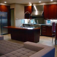 Modern Kitchen by Robert A. McGraw Architect