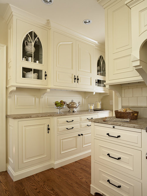 Tudor style kitchen home design ideas pictures remodel for Tudor kitchen design