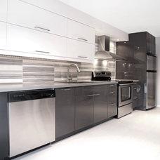 Modern Kitchen by SML + V Studio