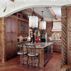 Traditional Kitchen by Luxurious Living Studio Inc.