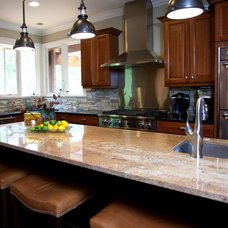 Traditional Kitchen by Donnah Miles Interiors
