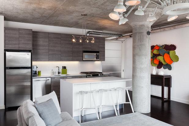 Modern Kitchen by Rad Design Inc