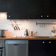 Modern Kitchen by Daniel Paya
