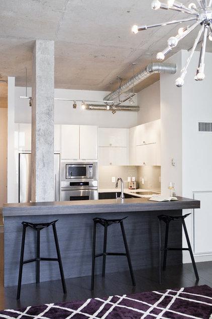 Industrial Kitchen by BiglarKinyan Design Planning Inc.