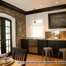 Modern Kitchen by DreamMaker Bath & Kitchen