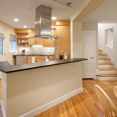 Modern Kitchen by Feinmann, Inc.
