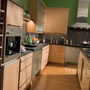 Inspiration for a contemporary kitchen remodel in Minneapolis