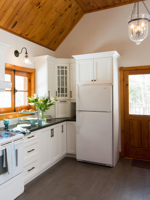 Log cabin kitchens houzz for Cabin kitchen cabinets