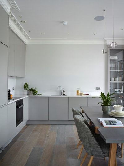 Contemporary Kitchen by LOVE INTERIORS