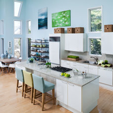 Beach Style Kitchen by B Home Interiors