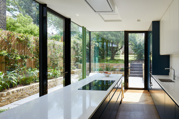 Contemporary Kitchen by R2 Studio Architects