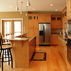 modern kitchen by Werschay Homes