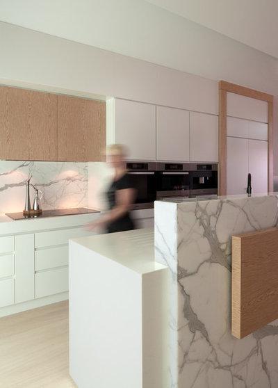 Moderne Cuisine by Quattro Interiors Studio
