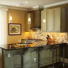 Contemporary Kitchen by Associated Design Studio, L.L.C.