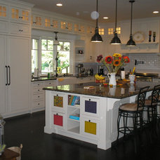 Traditional Kitchen by WEST PACIFIC CABINETS