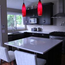 Modern Kitchen by Cabinet Warehouse