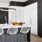 Robin Kitchen - Modern - Toronto - by Paragon Kitchens