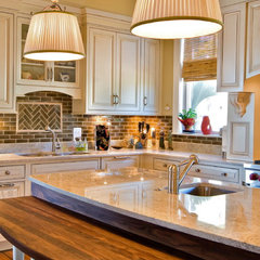 traditional kitchen by LORRAINE G VALE, Allied ASID