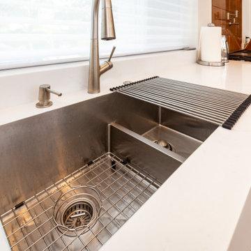 Los Altos Black & White Kitchen & Bath