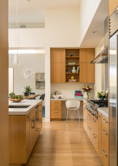 Contemporary Kitchen by Louie Leu Architect, Inc.
