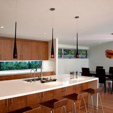 Modern Kitchen by JP Builders, Inc