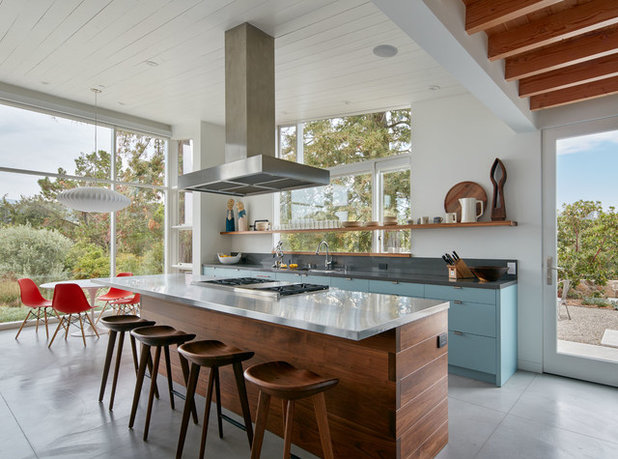 Midcentury Kitchen by Quinn Morgan Design