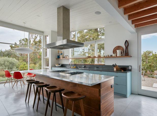 Midcentury Kitchen by Quinn Morgan Design