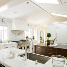 Kitchen by Ambiance Interiors