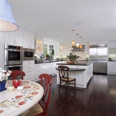 Traditional Kitchen by RKI Interior Design
