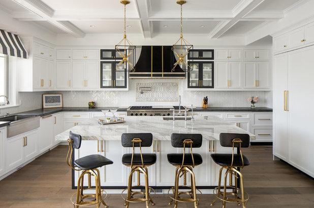 Современная классика Кухня by Christine Kimberlee Designs