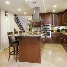 Modern Kitchen by Ambience Photography