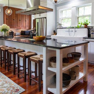Farmhouse Kitchen Photos   Inspiration For A Farmhouse L Shaped Medium Tone  Wood Floor And