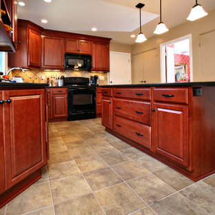 Inspiration For A L Shaped Eat In Kitchen Remodel Louisville With An Undermount
