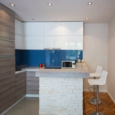 Contemporary Kitchen by UNIT DESIGN STUDIO L&T