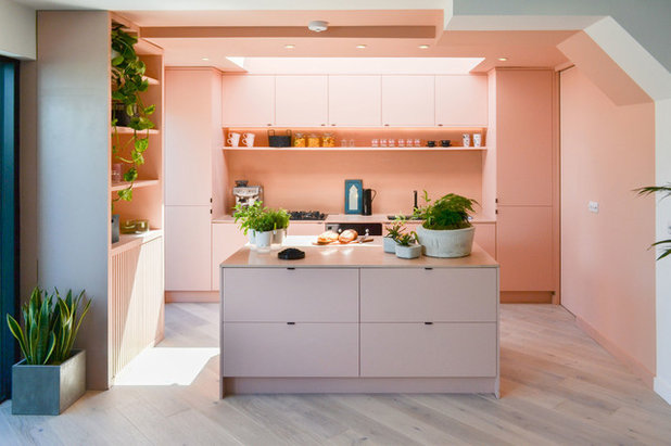 Modern Kitchen by Bradley Van Der Straeten