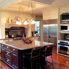 Traditional Kitchen by GGC Construction
