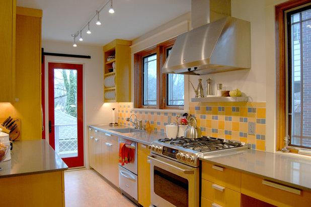 Contemporary Kitchen by Adrienne DeRosa