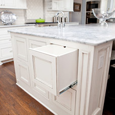 Traditional Kitchen by B&S Woodworking Inc.
