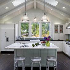 Modern Kitchen by Ana Williamson Architect