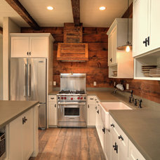 Traditional Kitchen by Uptic Studios