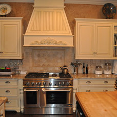 Mediterranean Kitchen by Heritage Custom Homes By Ed Domer, Inc.