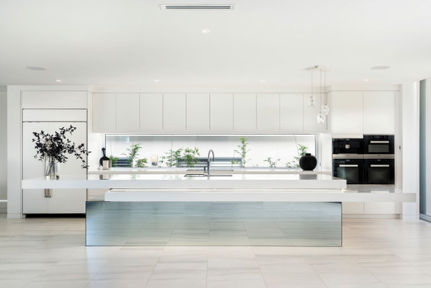 Contemporary Kitchen by GJ Morgan Kitchens