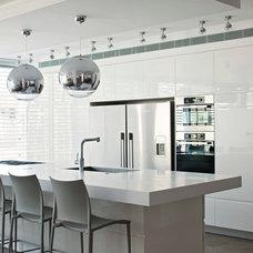 Contemporary Kitchen Luxury Apartement in Tel-Aviv
