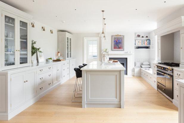 Transitional Kitchen by Humphrey Munson