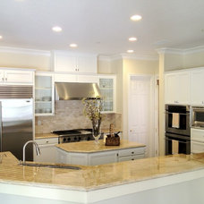 Traditional Kitchen by Keystone Design Build, Inc.