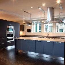 Modern Kitchen by madeleine boos, architecture + interiors LLC