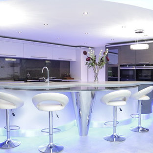 Luxury kitchen with bespoke curved island.